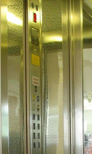 PULSANTIERA-1-ascensori-Vitali-Ascoli-Piceno-AP